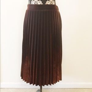 Lauren Conrad pleated skirt size L sparkly copper